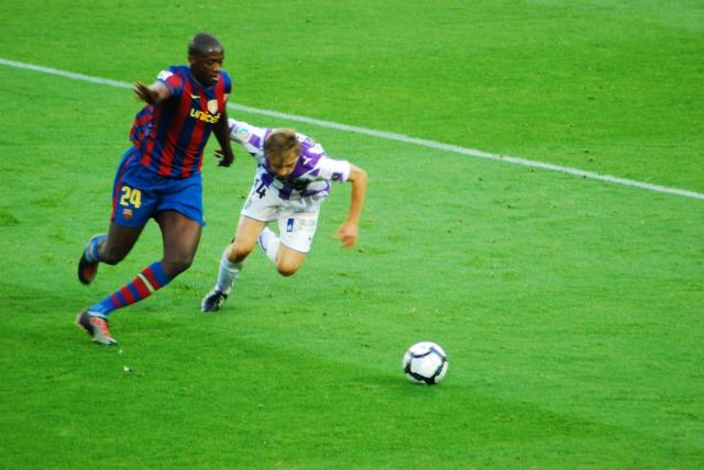 s_Balon_disputado_FC_Barcelona_-_Real_Valladolid