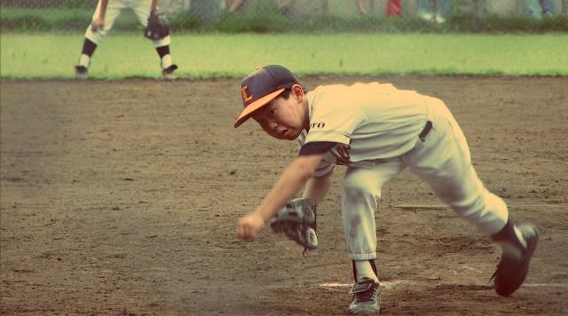 1200px-Japanese_kid_pitching